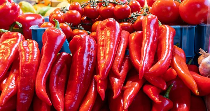 Mambo no. 5 X 3: sos de roșii, gogoșari și capia