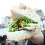 Spiritul Istanbulului într-un sandviș: balik ekmek