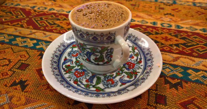 Când a ajuns cafeaua în România și cum s-a fript cu ea logofătul Tăutu
