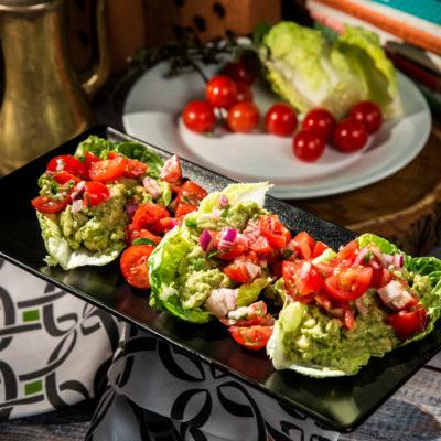 salata-cu-guacamole-si-rosii-cherry