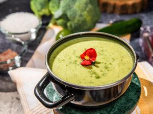 supa-crema-de-broccoli-si-zucchini