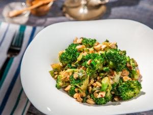 broccoli-la-tigaie-cu-nuci-caju