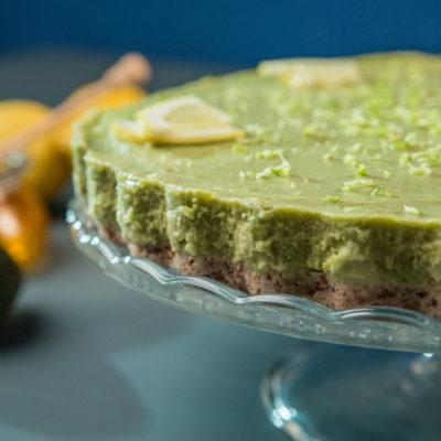 cheesecake-cu-avocado-curmale-si-nuci-pecan