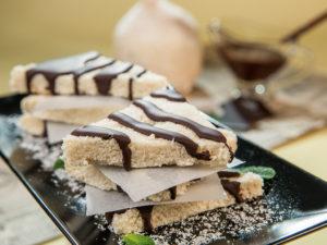 prajituri-cu-nuca-de-cocos-si-ciocolata
