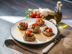 Ciuperci umplute cu carne de curcan
