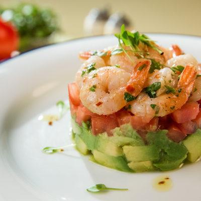 Salată de creveți cu avocado