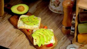 Cum să faci toast cu avocado